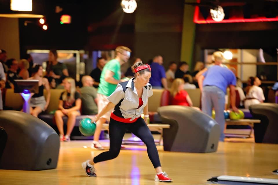 Lynsey Yuknus Bowling